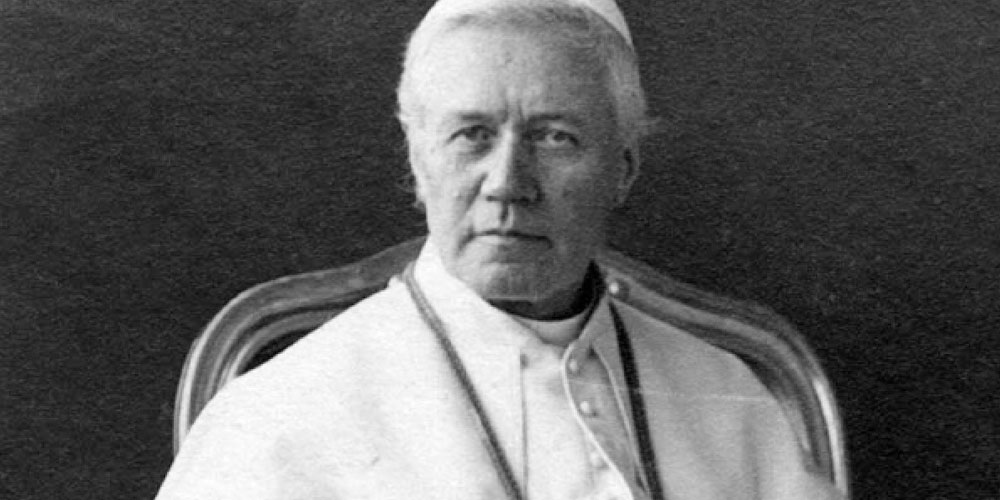 Which were Pope Pius X's documents to strengthen the Eucharistic life of the faithful?
